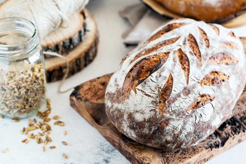 Basisches Brot, Basenbrot, gekeimtes Getreide, Keimmehl